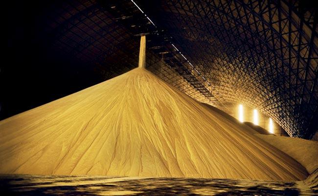 Açúcar fecha em alta nos mercados interno e externo