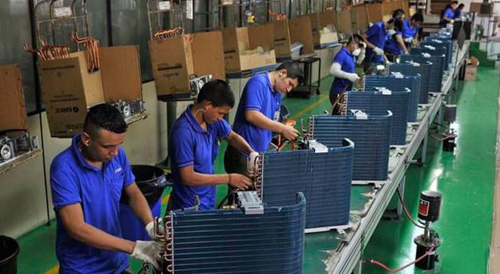 excell-bombas-industria-avanca-em-agosto-com-forca-de-novos-negocios-mas-cambio-limita-crescimento-mostra-pmi
